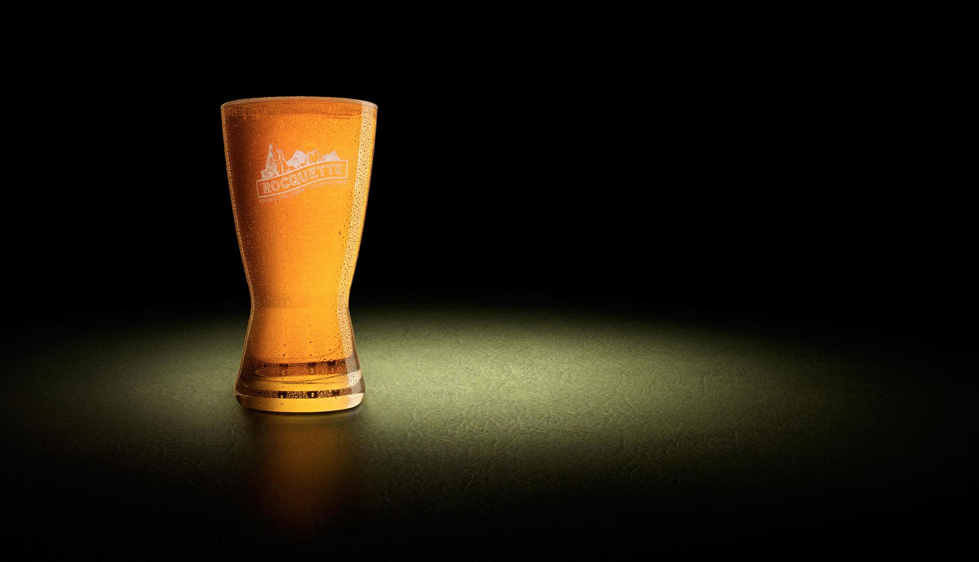 Product advertising image of pint of cider.