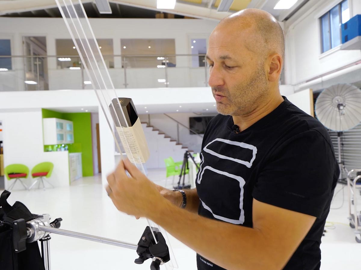Using acrylic rods for product photography
